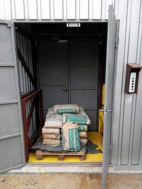 """Підйомник вантажний,  консольний в металокаркасній шахті ТОВ """"ГОЛЕКС"""" фото"""