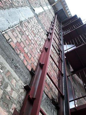 фото фасадного підйомника