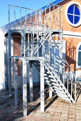 металлическая лестница купить