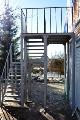 замовити металеві сходи